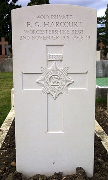 Commonwealth War Grave Headston